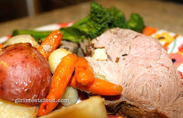 Kiwi Roasted Leg of Lamb and Vegetables